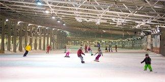 The UK's indoor skiing centres - ©SnowWorld