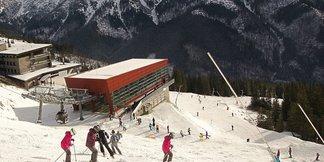 Snehové správy: Lyžiarska sezóna začína, aj keď sa prívaly snehu zatiaľ nekonajú - ©TMR, a.s.