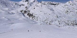 Livigno - Warunki na północnych stokach (Mottolino) naprawdę bardzo dobre. Do 16.00 można wyśmienicie pojeździć. - ©Robert