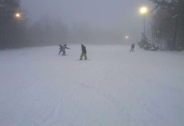 very decent snow, 2 T/L open, was open till 10 pm, no lines.