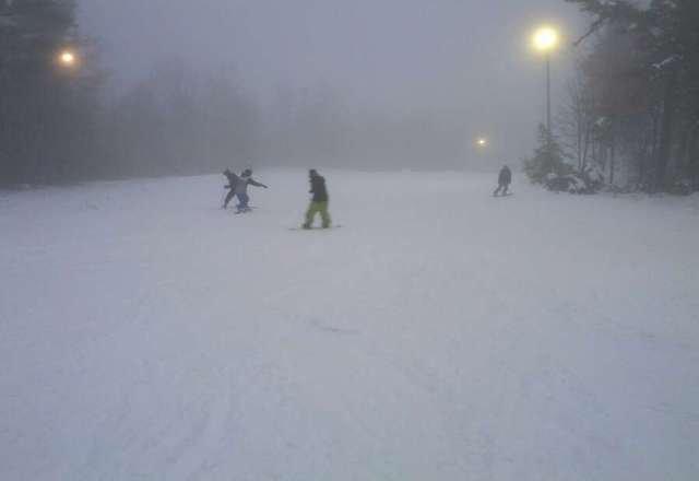 very decent snow, 2 T/L open, was open till 10 pm, no lines.