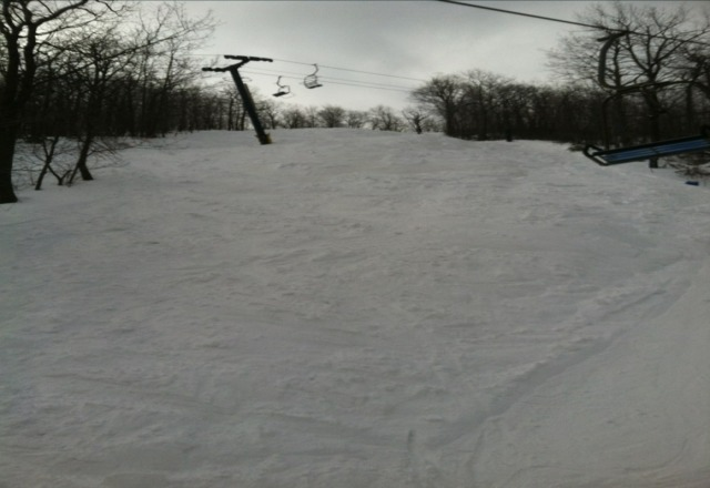 yeah but blue knob is $20 cheaper and maintains better conditions for longer( unfortunatly theyll be closed til friday). the only people that dont like bk are those who cant  handle the steeper terrain (extrovert, east wall, lower short way, rt.66, stembogan bowl, etc...). and i can think of 20+ resorts that dont have highspeeds since they ruin conditions very fast. here is what you springsers often miss at bk.