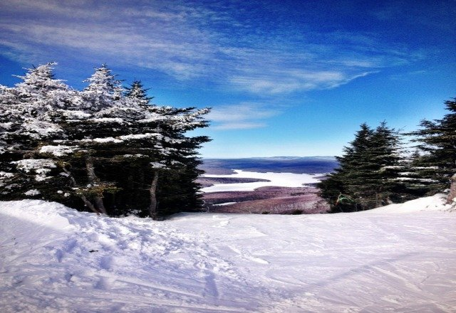 bluebird Sun, lots of snow but needs grooming