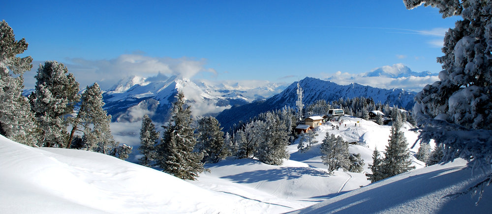 Nice panoramic view from the top of ski lifts at La Sambuy - ©D.Reto