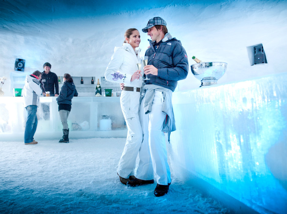 The Ice Camp on the Kitzsteinhorn in Kaprun: a good place to chill out - ©ell am See-Kaprun Tourismus GmbH/Gletscherbahnen Kaprun AG