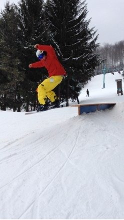 Only one jump and smaller than it usually is but rails r pretty nice in both parks