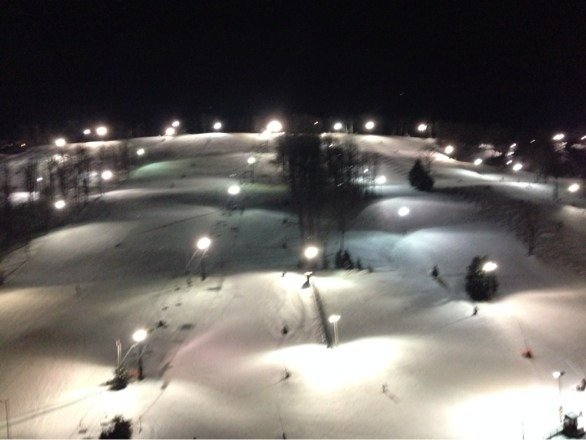 Hit some turns this evening. Hard pack with expected ice. A very good season out here this year. Lodge sold out for the weekend. This evening not crowded, but the parking lot is filling fast.