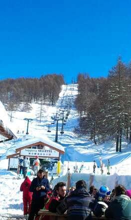 Snowed all Mon piste perfectly groomed today. Photo is chair lift to Cresta Seba from Chesal at beer time today