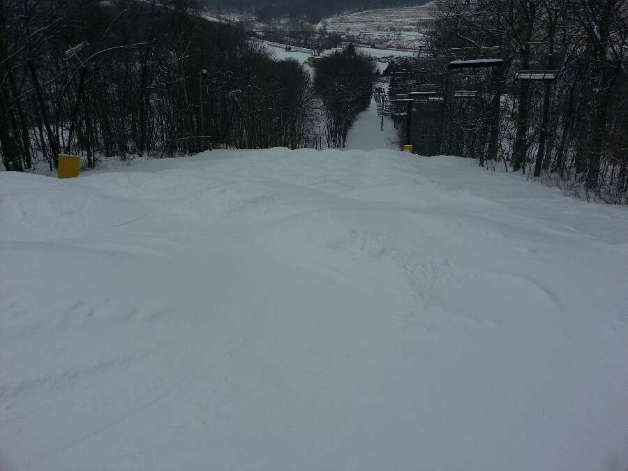 bit of a cold wind but site conditions are great. and mogul monster it's in good shape.