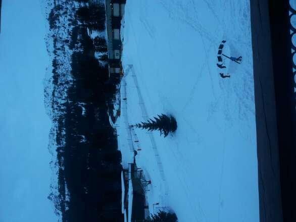 dernière chute dimanche entre 30 et 40 cm. très doux pour une mi février.