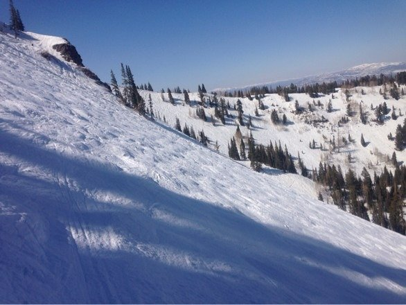 2nd half of day was excellent. Pix of o-zone. Easy traverse from McConkeys lift. Well worth it.