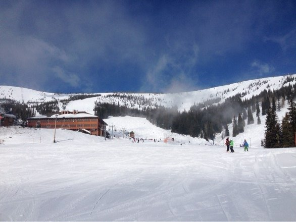 Perfect spring day and excellent snow conditions and coverage, it just doesn't get much better than this