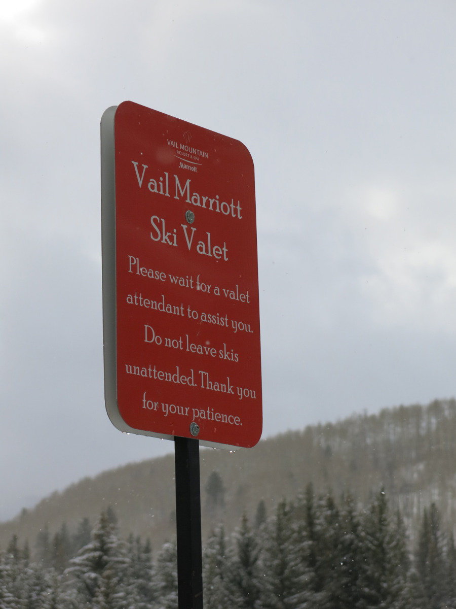 The Marriott Hotel in Vail offers a ski valet service - ©Micaela Romani