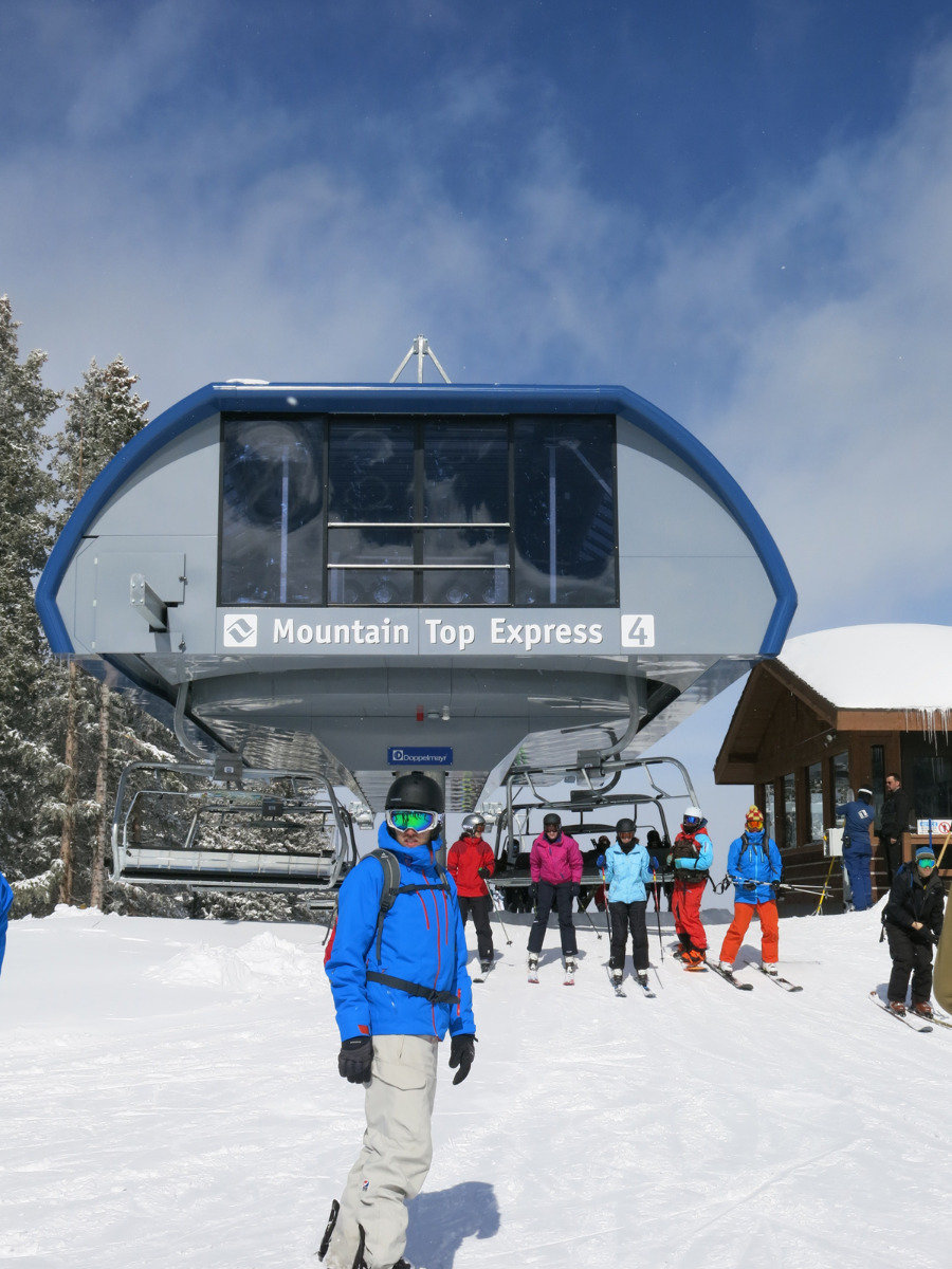 Skier at the Mountain Top Express ski lift in Vail, Colorado - ©Micaela Romani