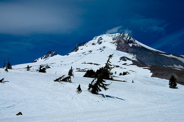 Summer ski resort: Palmer Snowfield, Timberline Lodge, Oregon.