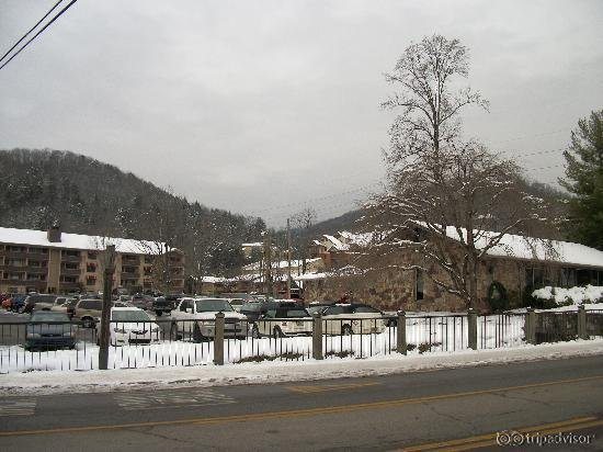 Jack huff 39 s motor lodge ober gatlinburg ski resort for Motor lodge gatlinburg tn
