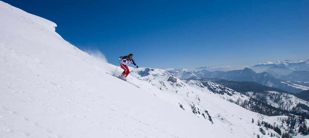 Skier on slopes of Tauplitz with panoramic views