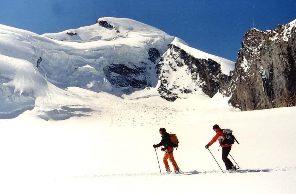 Cross country skiers in Saas Fee.