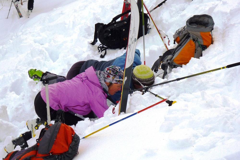 L'utilisation d'un DVA, aussi intuitif soit-il, nécessite un minimum d'entrainement afin d'optimiser les temps de recherche des victimes d'avalanche