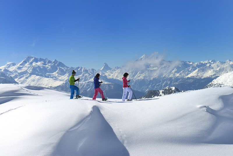 Get new impressions, while going Snowshoeing - ©Aletsch Arena