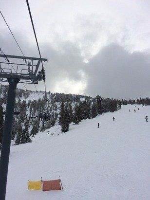 4 runs open Friday 12/5. Looked really good, a bit of crud towards the bottom, but whatever. Keep snow dances coming!