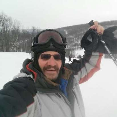 rockin at Holiday!  new snow... making snow... let it snow!