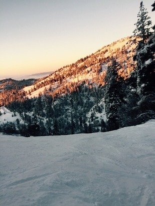 Good Day at Bogus! Wasn't TOO crowded and some lifts shut off for a bit but other than that good snow and good powder!!