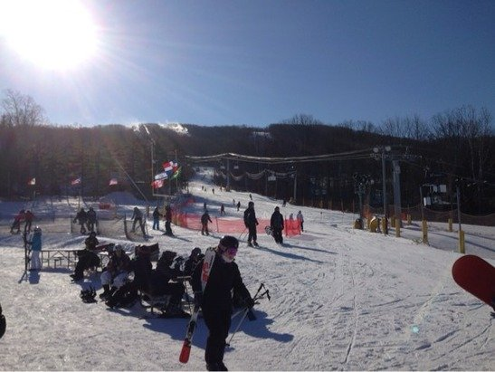 Not bad, bearable crowds, cold but the sun made it a nice day for skiing.