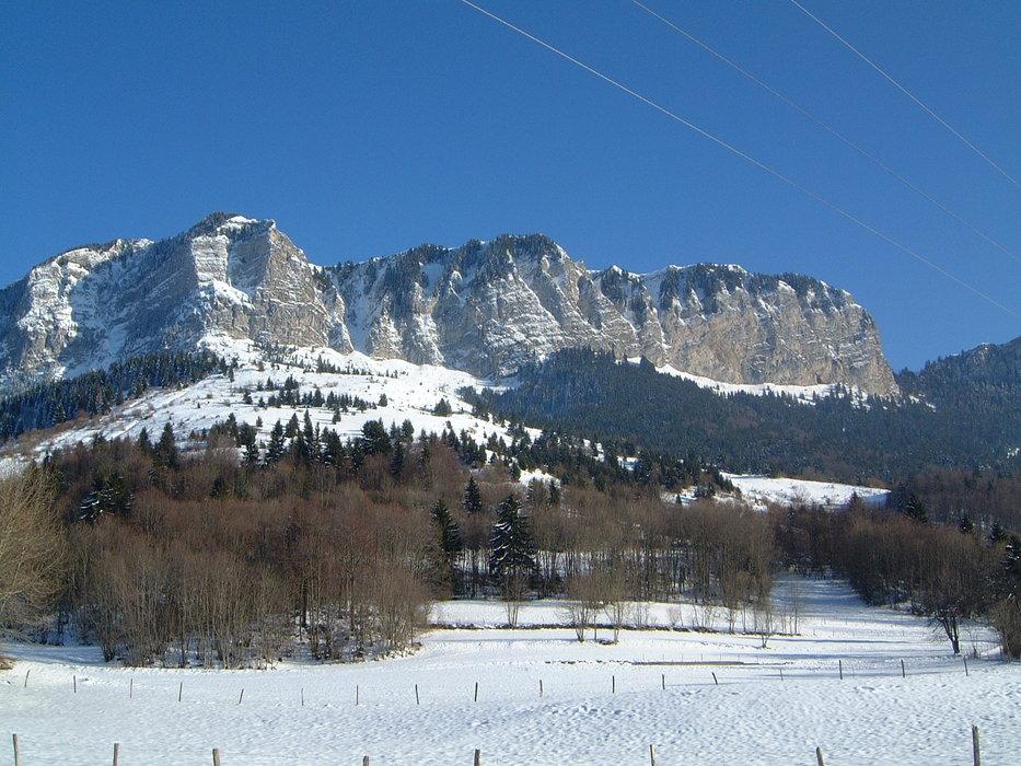 Memises Mountains  - ©John Squires | Squires @ Skiinfo Lounge