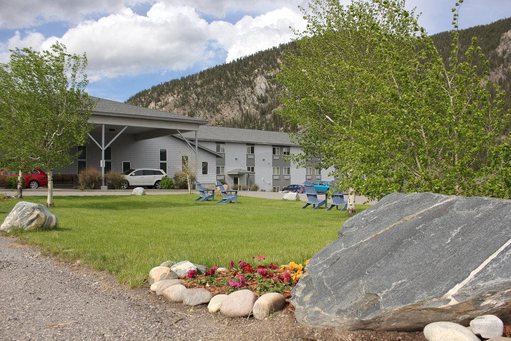 Whitewater Inn at Big Sky Montana - ©Michel Tallichet