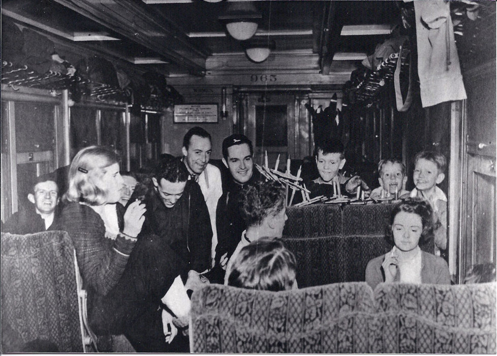 Happy passengers riding the ski train in 1938 - ©Winter Park