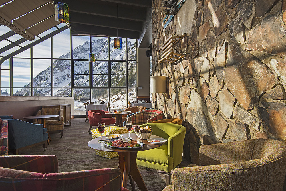 Apres ski at Goldminer's Daughter at Alta Ski Resort - ©Alta Ski Area