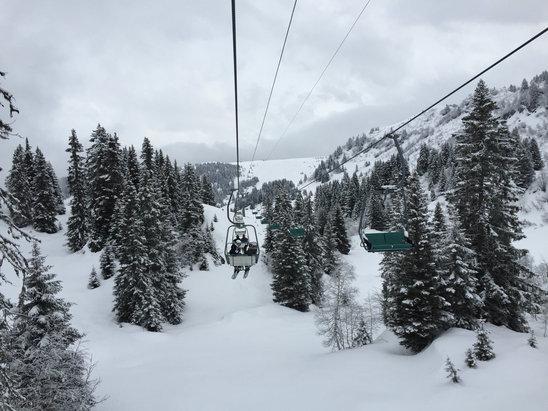 Villars - Gryon - Firsthand Ski Report - ©villars