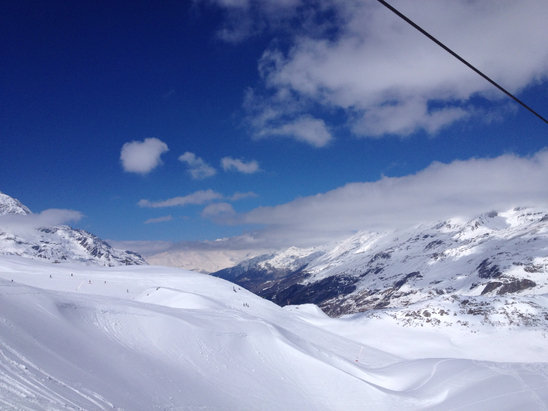 Val d'Isère - Sunny day with fresh snow! - ©Bixuan's iPhone