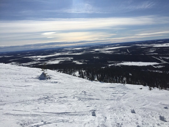 Levi - Firsthand Ski Report - ©iPhone Kerris