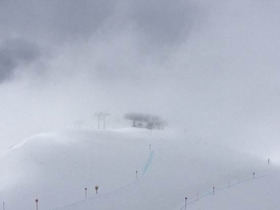 St. Anton am Arlberg - Snow is holding up fairly well at high altitudes; but visibility made it miserable through 3pm or so. Lower elevations are cooked.