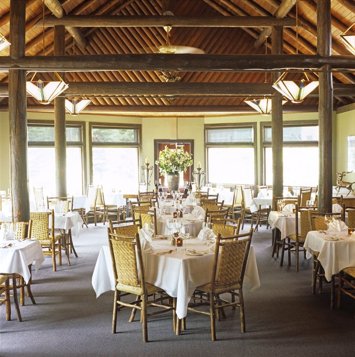 Deer Lodge dining room in Banff