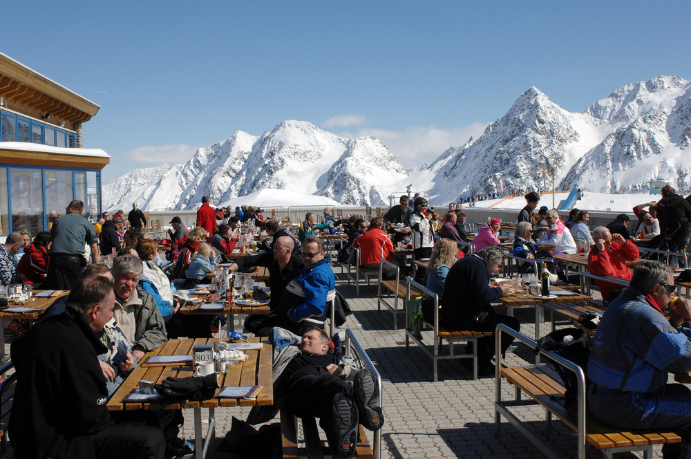 Mountain restaurant on Stubai Glacier