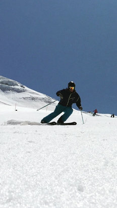 Cervinia - Breuil - Amazing week glacier skiing from 6th to 13th July with the Warren Smith ski academy & great conditions.
