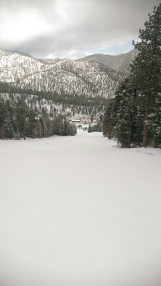 Las Vegas Ski and Snowboard Resort - Firsthand Ski Report - ©jeepcrazzy