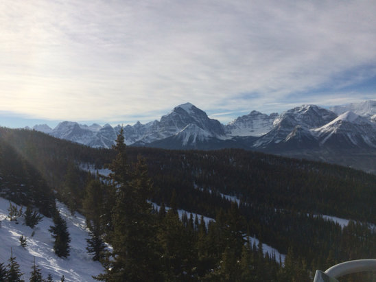Lake Louise - Great day on the slopes with amazing weather, can't beat the scenery! Love the Rockies! - ©chris baumann