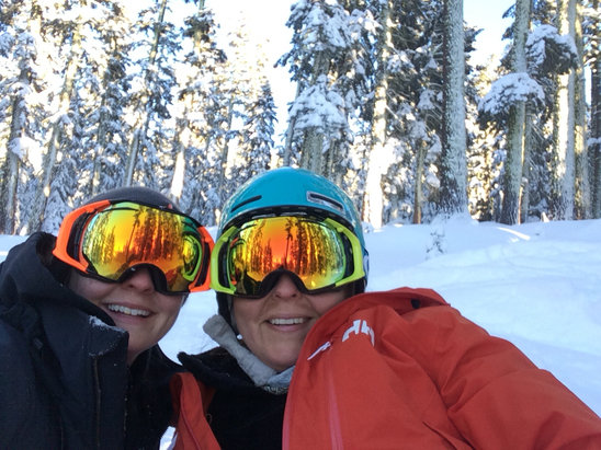 Sierra-at-Tahoe - Today was awesome! Blue skies, great snow in trees and nice groomers.  - ©Coreen