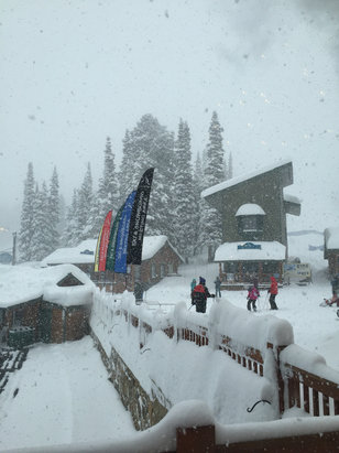 Grand Targhee Resort - Coming down hard  - ©Carlos Santiago Recao's