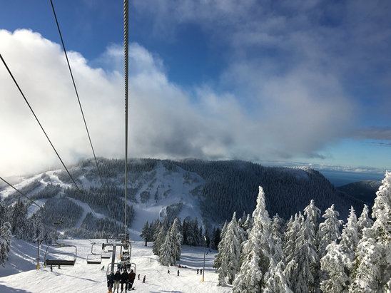 Cypress Mountain - Great day! But VERY busy. 30 mins just to get to the parking lot this am, long ticket waits and chair lift lines.  - ©Lisa's Phone