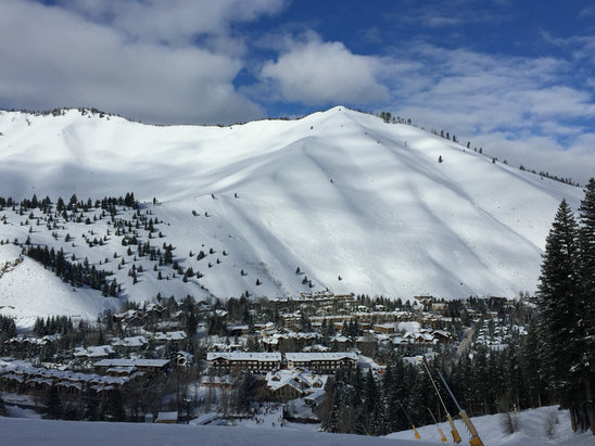 Sun Valley - Baldy is skiing fast and sure. - ©iPhone