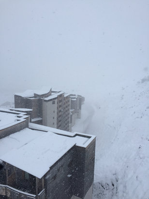 Avoriaz - Dumping down  - ©KARL HOWKINS's iPhone