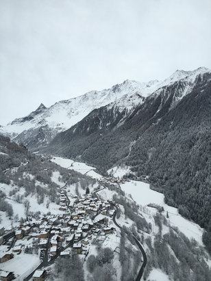 Les Arcs - Great skiing thanks to the new snow yesterday going to be an Awesome week  - ©Simon's 5s
