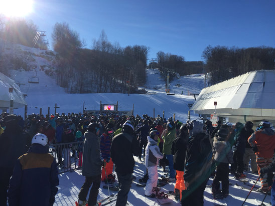 Mountain Creek Resort - This place is terrible they closed all of bear for the ski team. 40 minute lift lines everywhere you go.  Conditions were actually good for once.  Creeks motto should be