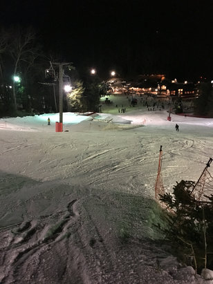 Ski Sundown - Firsthand Ski Report - ©Friday night lights
