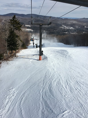 Mount Snow - Rode all day yesterday-main face, sunbrook, carinthia. Surprisingly good conditions given lame winter. No lines or crowds in lodge. - ©anon